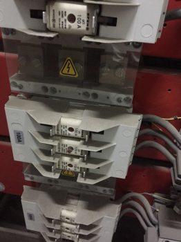 导致电容器不工作